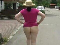 Sabine público culo desnudo, el culo desnudo público Sabine madura video. Madura Sabine caminando con su culo desnudo en público. Ver más madura Sabine