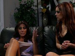 Son protagonizada por dos chicas sucias lesian Jayden Cole y Madison Ivy en un caliente video de sexo