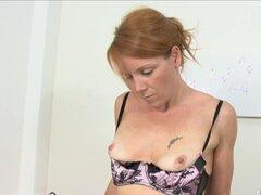 Video de AuntJudys: Kay C, C de Kay es bromas sexy con sus medias altas del muslo, ligueros y panties y roce en su clítoris y su coño muy bien recortada que se baje