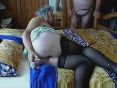Puta vieja 73 años divirtiéndose con maridito