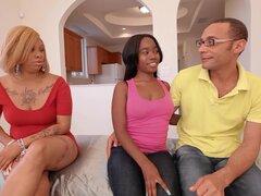 Cachonda negro madres e hijas de paso 10 - escena 2
