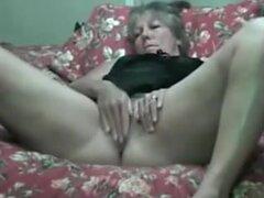 Wirth esposa enorme juguete, video Amateur masturbacion con una mujer madura con un juguete sexual enorme. Después de que su marido la folla. Videos de sexo amateurs más