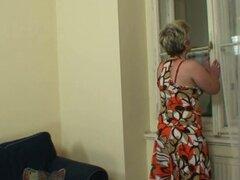 Chico caliente cormoranes a abuela solitaria