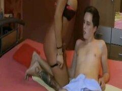 Hombre joven madura mujer sexo porno clip Full