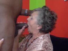 80 años abuela viejo primera vez interracial follada