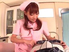 Calificados manualmente enfermera asiática le sacudidas hasta que él explota - japonesa AV modelo