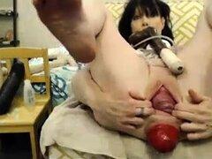 Soy señora madura estira sus apretados agujeros en webcam