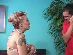 Candy Monroe hace un reloj compañero de hadas como ella es ser penetrada muy duro - Candy Monroe, Julius Ceazher