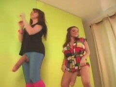 Dos chicas sexy bailando Parte1