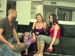 Trío de Kendra Lust con Sara Jay