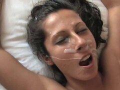 Española Noemi Jolie Facial final