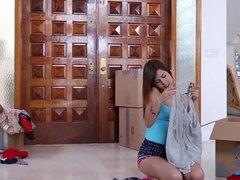 PunishTeens - destruido por hermanas novio de joven Latina, Sexy, joven latina que atada, dominada y follada duro por el novio de su hermana.