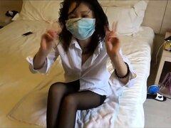Cachonda chica Oriental en nylon obtiene apisonada estilo misionero