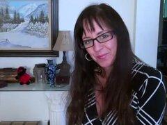 USAwives madura POV Gonzo y juguetes masturbación. Anciana madura desnudando poco a poco blowjobing y coño juega encontrar este video en nuestra red Oldnanny.com
