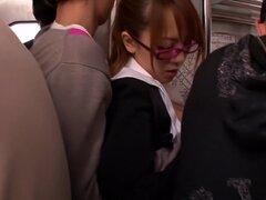 Impresionante chick japonesa Hitomi Tanaka en JAV locos censurados Facial, video de sexo en grupo,