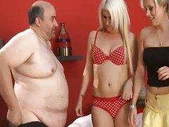 Chicas sexy reír a chicos gordos polla pequeña