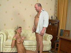 Nuahgyt y Nena delgado Nika llega este anciano a orgasmo
