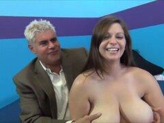 Increíble pornostar Jessica Roberts en loco dildostoys, creampie porno escena, Jessica Roberts es una mujer hermosa grande con las caderas con curvas y y tetas gigantes. Su cuerpo es liso sedoso y su coño se afeita limpio. Ella trabaja su clítoris con un