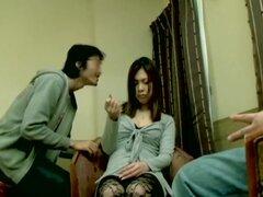 Toned Jap hottie obtiene buen hardcore japonés abarrotar, Toned y chica muy linda japonesa goza de alguna acción asiática sexo con su amante y al final su coño se llena de esperma pegajoso. Se ve muy bonita y muy sexy. Ella está más que follable.