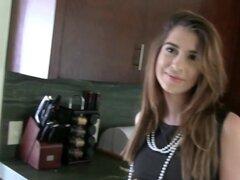 Lesbianas adolescentes de hermandad, Hermandad de mujeres lesbianas adolescentes comen fuera y dedos coños