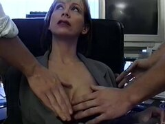 Sylvia puede en medias obtiene doggystyle pegada en una caliente escena de DP de MMF