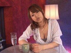Engaño y soplando la polla de su amante excita le a ningún extremo - Akiho Yoshizawa