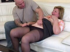 La abuela Chubby primer anal