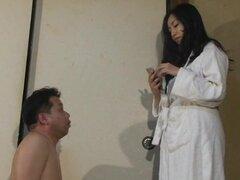 Marido masoquista es la gestión de la eyaculación a esposa
