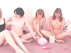 Estudiantes tira desnudas en verdad o atreven juegos