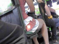 El reciente clip de upskirt con gran wazoo gordito, esto es el reciente video de upskirt que cuenta con uno más bimbo diletante y su adorable gazoo sobrepeso fácilmente vistos una vez u se atreve ver su atuendo