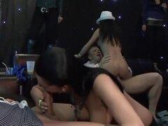 Loco estrellas porno Melissa Ria, Morgan Moon y Bianca Ferrero en increíble película porno de interracial, lencería, este partido gángster hardcore es camino y por ahora todas las chicas aquí ha tenido al menos un orgasmo y los hombres han tenido un clíma