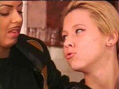 Lesbianas amateur juegos... f70 chica lesbianas en lesbianas chica