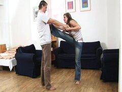 sexo joven tetona contorsión