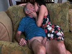 Pornstar Aria rosa beso negro a ancianos mans culo