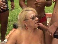 Madura rubia sexo al aire libre Victoria gangbang granny