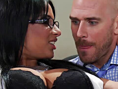 Secretaria tetona Anissa Kate folla a su jefe Johnny pecados