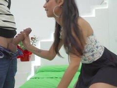TeamSkeet - Pigtailed Latina Banged Hard en su porno prueba hacia fuera, la c te Preesleyy poco Jade. Vieron su perfil modelado y tuvo que darle una oportunidad a cabo. Ella sigue a la casa y luego les hace la pregunta de 100 euros. ¿Esto es para el porno
