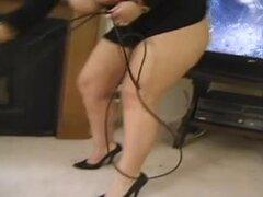 mujer hermosa grande y The Boyz, mujer hermosa grande Calvo blanco Dama con alegría con pollas juveniles en este clip porno grupo anal sexo. Que nena chupa y da como una churri.