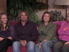Lisa Sparxxx en hermana Wives XXX: A Porn Parody - parte 2 - vivo, gordita y tetona rubia follada muy duro y cubiertos con gruesas cum