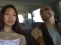 Heidi Ho Asiatica jovencita le encanta succionar vergas grandes con su pequeña boquita