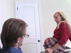 Difícil inserción en su agujero hace que el momento más feliz - Jessica Lynn, Mark Ashley
