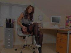 Esta es mi nueva secretaria en la oficina