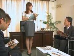 Episodio porno oriental con abundancia de fetiche, porno de 2 horas de sueño Oriental que cuenta con un montón de deliciosas mieles japonés e incluye manguera fetiche, SADOMASOQUISMO, sexo en público y mayor cantidad.