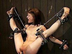 Flexible puta ahora con las piernas propagación abierta acción BDSM