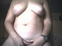 Chica gordita con tetas grandes juega con su coño en el porno casero, no creo que estoy gorda. La mayor parte del peso fueron directo a mi culo. Que algunos chicos parecen que les gusta. Sólo poner en como diez libras. Suficiente para asegurarse de que ha