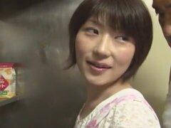 Crazy chick japonesa Shinobu Kasagi en video de la mejor cocina JAV
