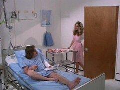 Soy enfermera Retro Cris Cassidy obtiene Facialized dos veces