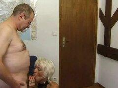 Francés madura 26 peluda mamá madura caliente y un anciano