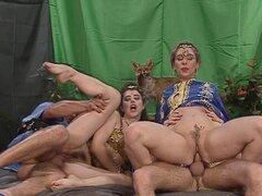 Belly dancers obtener su llenar (CLIP)