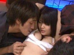 Kanna Harumi con semen en la boca se clava en coño peludo, Kanna Harumi con cum en boca está enclavado en el peludo coño como un loco